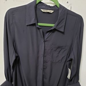 Tops - Old Navy Charcoal Knot Front Button-Down Shirt